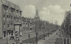 PBK-162 Avenue Concordia gezien vanaf de Lage Oostzeedijk, uit het zuiden. Links de Gereformeerde Avenuekerk.