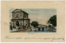 PBK-1786 Gezicht op de Schiekolk en de Schiebrug met links daarvan de Delftse Poort aan het Delftsepoortplein, vanaf de ...
