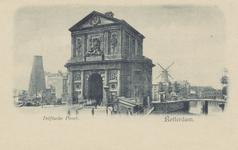 PBK-1787 Gezicht op de Delftse Poort, op de achtergrond rechts de Schiebrug met daarachter molen De Haas aan de Schie, ...