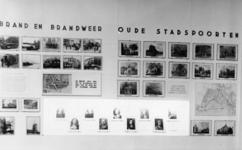 PBK-2001-209 Fotokaart uitgegeven ter gelegenheid van de tentoonstelling Ontdek uw stad , door jonge werklozen ...