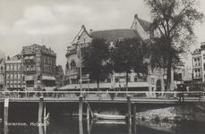 PBK-2927 Gezicht op het Hofplein. Links panden aan de oostzijde van de Schiekade, in het midden station Hofplein en ...
