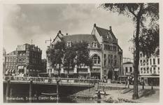 PBK-2932 Station van de Zuid-Hollandsche Electrische Spoorweg Maatsschappij en café-restaurant Loos, uit het zuiden, ...