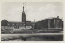 PBK-4613 De achterzijde van Museum Boijmans Van Beuningen aan de Mathenesserlaan, uit het zuiden gezien. Op de ...