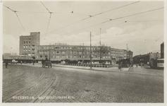 PBK-4628 Het Mathenesserplein vanuit het zuidwesten. Op de achtergrond rechts de Van Citterstraat.