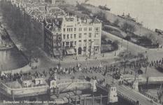 PBK-5375 Het Oudehoofdplein met hotel Smits. Links het Haringvliet met de Spanjaardsbrug en rechts de Oosterkade, vanaf ...
