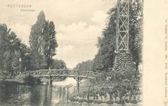 PBK-7148 De houten brug over de Westersingel, tussen Westzeedijk en Witte de Withstraat, vanuit het zuiden,