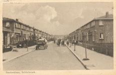 PBK-8701 Beukenlaan, Schiebroek (nu Lijsterbeslaan) gezien vanuit de Meidoornsingel naar de Kastanjesingel.