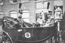 PBK-9034 17 november 1913Eeuwfeest van het herstel van Nederlands onafhankelijkheid. Op de prentbriefkaart: een groep ...