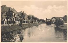 PBK-9724 Burgemeester de Villeneuvesingel in de richting van de Maarten Dijkshoornlaan.