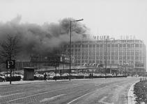 2003-272-1 ROTEB: Brand in het Groothandelsgebouw.Foto uit een serie van ca 3.500 foto's en dia's over de Roteb ca ...