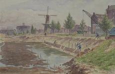 IX-1442-01-31 Gezicht op het Oostplein vanaf een bouwput aan de Hoogstraat. Links Het Vrije Volk aan de Slaak in aanbouw.