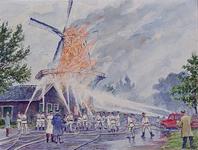 XXXIII-1307-01 13 juli 1962Brand in de molen De Ster aan de Plaszoom. Geheel rechts staat de tekenaar afgebeeld.