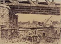 XXXIII-697 1945Wederopbouw van de stad.Werkzaamheden onder het viaduct bij het Hofplein, gezien uit het westen. Op de ...