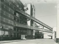 1978-3365 Verbindingskokers of luchtbruggen tussen fabriekshallen, Van Nelle fabrieksgebouwen aan de Van Nelleweg nummer 1.