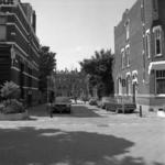 1982-1250 Panden aan de Annastraat, vanaf de Voorschoterlaan richting Lambertusstraat.