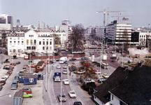 1985-189 Rochussenstraat, overzicht uit het westen. Links op de achtergrond het politiebureau aan het Eendrachtsplein ...