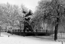 1986-275 Heemraadsbrug bij de Heemraadssingel.
