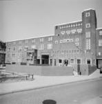 1987-1215 Galerijwoningen na de renovatie in de Justus van Effenstraat.