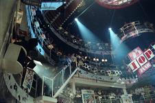 1990-466 Disco-dancing Tomorrowland nummer 37 te Prins Alexanderlaan.