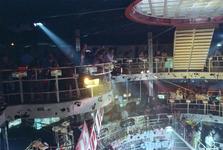 1990-470 Disco-dancing Tomorrowland nummer 37 te Prins Alexanderlaan.