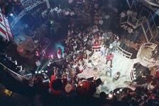 1990-471 Disco-dancing Tomorrowland nummer 37 te Prins Alexanderlaan.