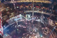 1990-473 Disco-dancing Tomorrowland nummer 37 te Prins Alexanderlaan.
