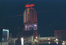 1990-484 Disco-dancing Tomorrowland nummer 37 te Prins Alexanderlaan.