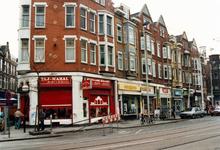 1992-4318 Juwelierzaak Tai Mahal op de hoek van de Van Speykstraat (links), op nummer 2, winkel in de Eerste ...