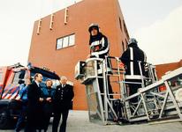 2000-479 17 mei 1999 Staatssecretaris drs. G.M. de Vries van Binnenlandse Zaken en Koninkrijksrelaties opent de nieuwe ...
