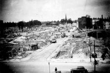 2001-1991 Gezicht op de door het Duitse bombardement van 14 mei 1940 getroffen omgeving van de Nadorststraat, zichtbaar ...