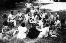-1157 Album met 68 foto's van respectievelijk een NATU kamp voor amateurtoneel, toneelvereniging Maskerade, ...