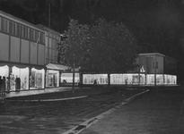 2004-5484 Noodwinkels aan de Mathenesserlaan.