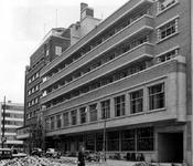 2004-6107 De uitbreiding van het Atlanta hotel aan de Aert van Nesstraat.
