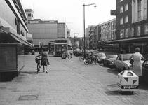 2004-6111 De Binnenweg in de richting van de Coolsingel.