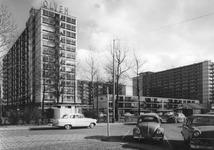2004-6157 De Karel Doormanstraat vanaf het Schouwburgplein.