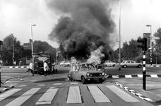 2005-6952 Op de Vaanweg staat een auto in brand.