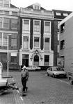 2005-8339 De Hendrik de Keyserstraat ter hoogte van Burger Hotel De Zon.