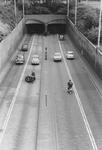 2005-8915-EN-8916 De inrit en afrit van de Maastunnel:Van boven naar beneden:-8915: De Maastunneltraverse aan de ...