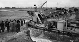 -1237 Foto's betreffen werken aan de 3e Petroleumhaven, Waalhaven, Rijnhaven, Merwehaven, Spoorweghaven, Parkkade, ...