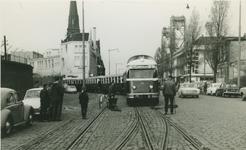 2007-414 Rosestraat met een tram van de R.T.M. Links het stationsgebouw in noordelijke richting.