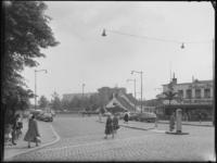 FD-4286-6 Opname van restaurant Old Dutch met een ingetekende Euromast (niet afgebeeld). Rechts het café-restaurant ...
