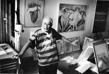 P-021057-1-TM-3 Portretten van beeldend kunstenaar Frans Brakkee in zijn atelier. Van boven naar beneden:-1-2-3