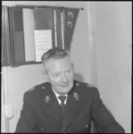 10264 Portret van adjunct-hoofdman J.A. Bruinse, plaatsvervangend hoofd van de Bescherming Bevolking-brandweer in de ...