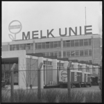 10656-1 Exterieur van de Melk Unie Rotterdam NV aan de Keenstraat 55