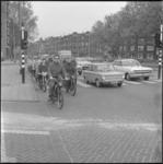 10884-1 Aantal wielrijders en bromfietsers op de Beukelsdijk ter hoogte van Heemraadssingel-Blijdorptunnel.