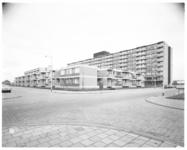 12735 Bejaardencomplex en dienstencentrum Helga Flat aan de Hendrick Staetsweg in wijk Lage Land in de Prins Alexanderpolder.