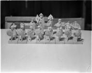 1769-2 Chinese uitvoering van schaakstukken tijdens schaakwedstrijden in Kunstmin.