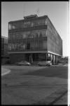 20019-63-20 Het kantoorgebouw van de Keuringsdienst van Waren aan de Baan.
