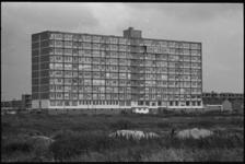 20022-73b-7 Bejaardenhuis De Burcht aan de Van Moorselplaats en Koningslaan, het eerste bejaardenhuis in de wijk Prins ...