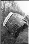 20037-1-1 Materiaalwagen van de brandweer, op weg naar brand op de vuilstortplaats aan de Welhoeksedijk in Hoogvliet, ...